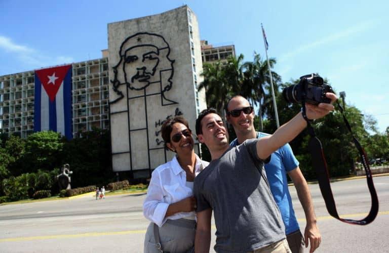 El mar del turismo se encuentra agitado en Cuba