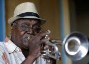 Alfredo Chocolate Armentero tocando la trompeta