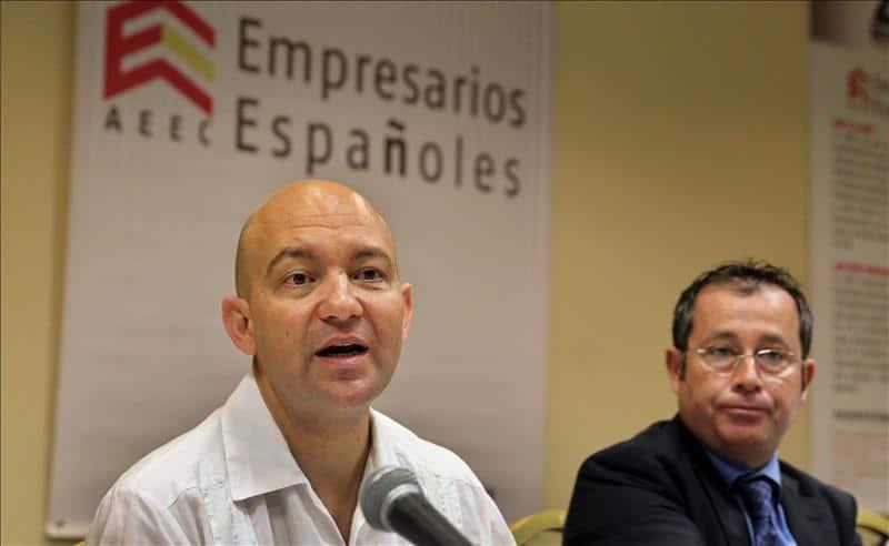 El secretario de Estado de Comercio de España, Jaime García-Legaz (i) y el presidente de la Asociación de Empresarios Españoles de Cuba, Xulio Fontecha (d) foto elplural.com