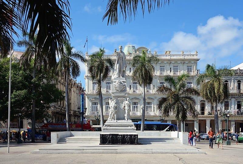 Cinco Estatuas emblemáticas en Cuba