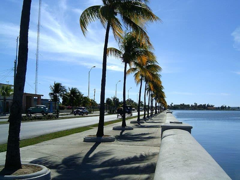 No te puedes marchar de Cienfuegos sin visitar el Malecón