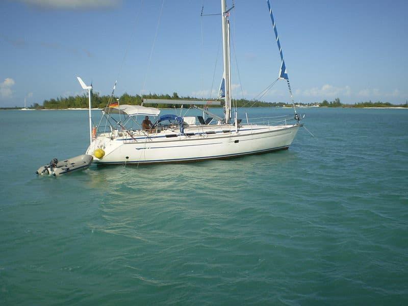 Navegando en las cercanías de la Isla de la Juventud