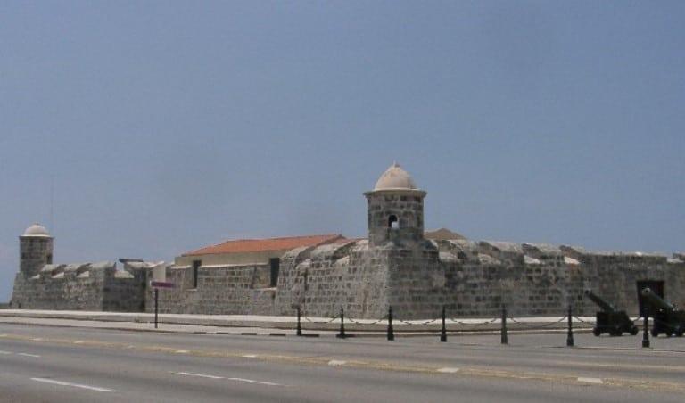 Castillo San Salvador de la punta