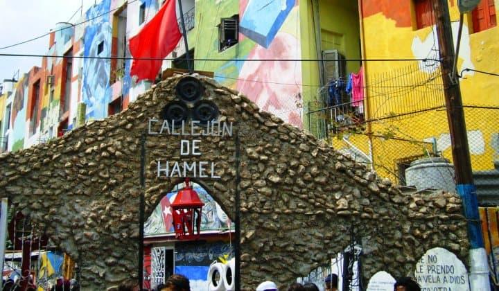 El Callejón de Hamel es uno de los mejores lugares para bailar en la calle (worldtravelserver)