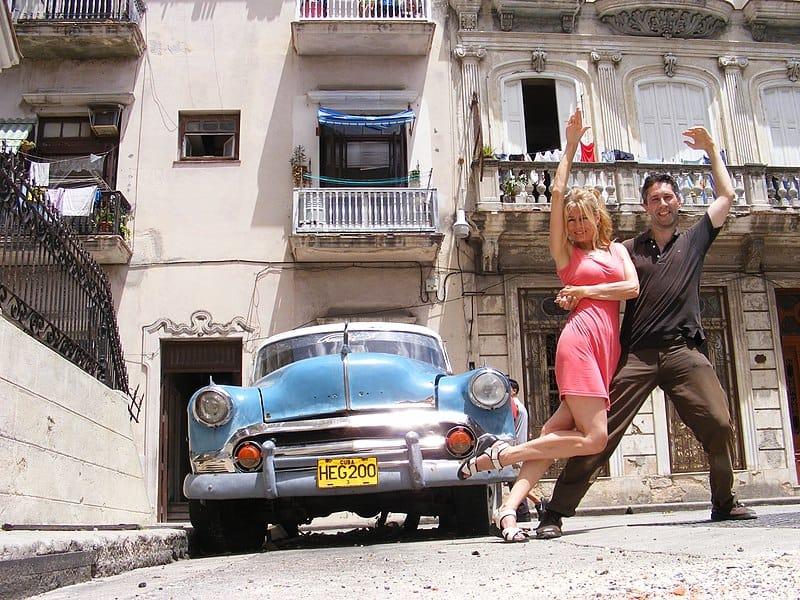 Bailando salsa hasta que se seque el Malecón