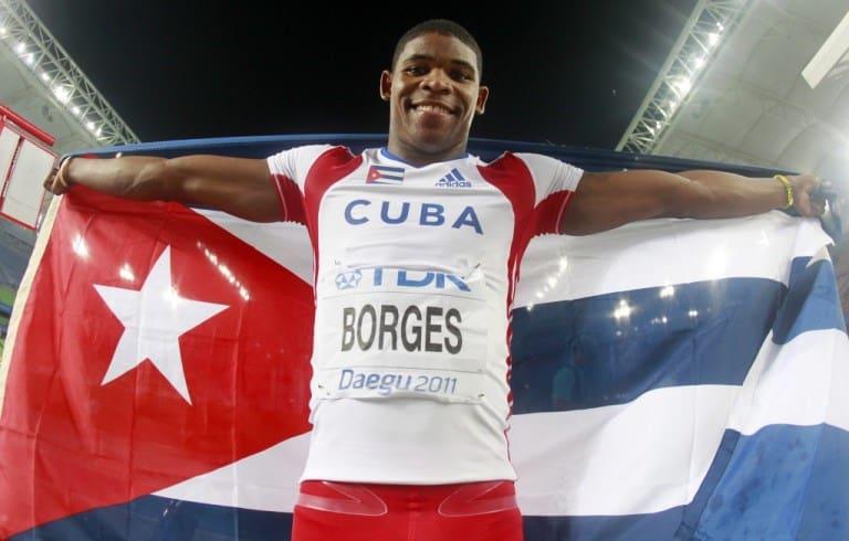 Lázaro Borges, atleta cubano de salto con pértiga.Tiene un título de sub campeón mundial, y una medalla de oro en Juegos Panamericanos.FOTO: losandesplus.blogspot.com; http://evc-wp01.s3.amazonaws.com/