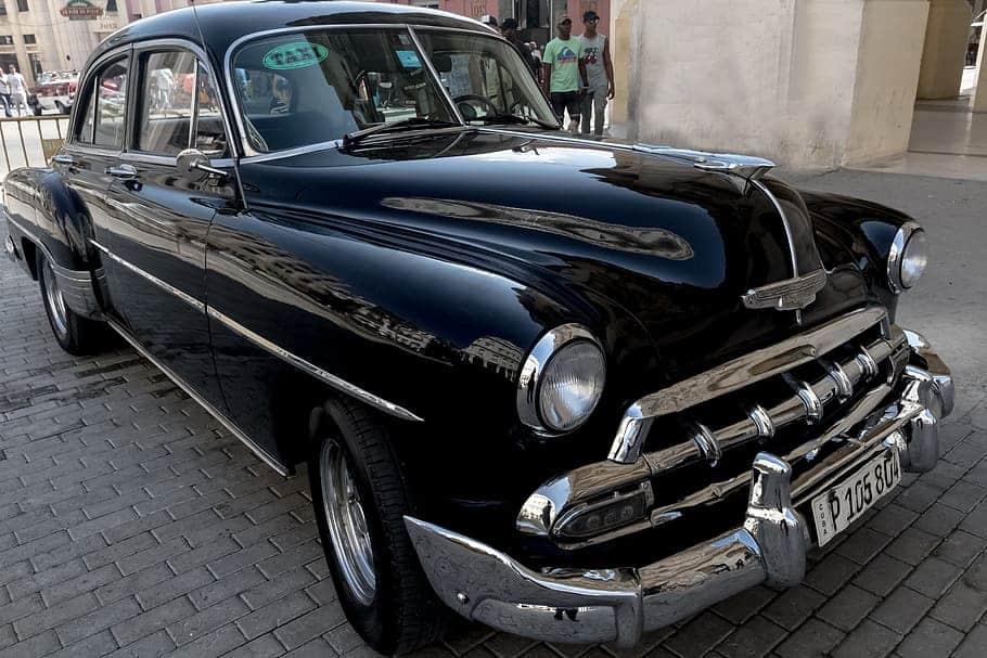 """Viajar en un """"almendrón"""", una gran forma de conocer La Habana"""