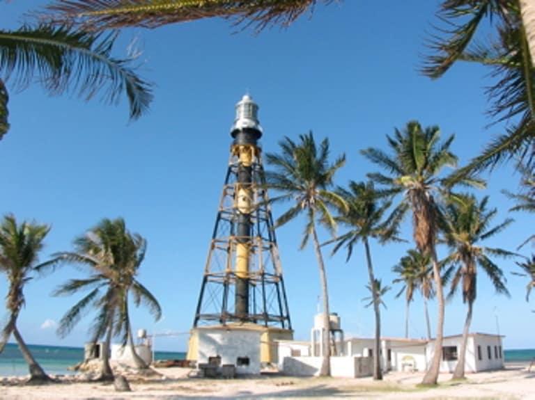 Otro sitio interesante para conocer en Cuba y llevarse una buena foto del sitio  FOTO: cubacasas.net