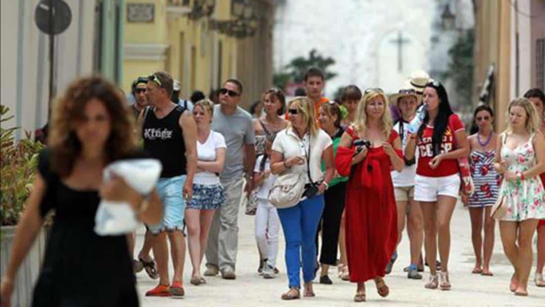 ropa, maletas, Cuba