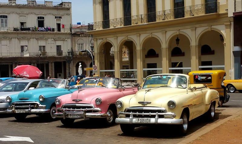 Almendrones en Cuba