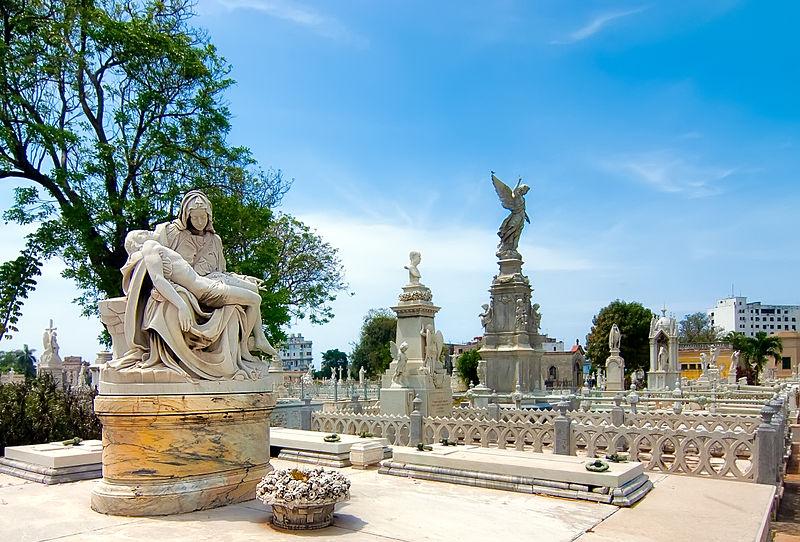El Cementerio de Colón es un lugar donde podrás atrapar estupendas imágenes