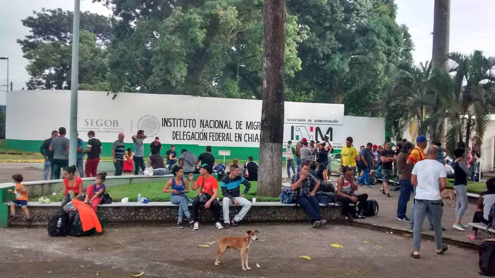 Cubanos en frontera mexicana se declaran en huelga de hambre debido a supuestos abusos de las autoridades