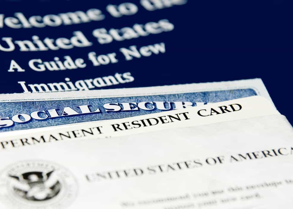 Esto es lo que tienes que hacer para aplicar para una residencia permanente en Estados Unidos