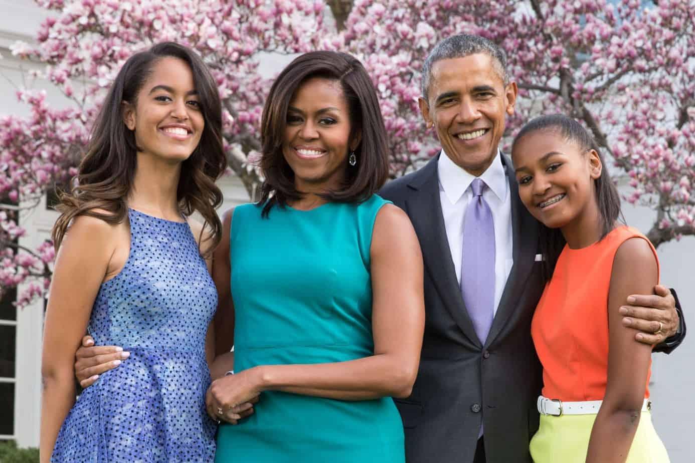 No vas a creer cuantos millones ganarán los Obama por la publicación de sus memorias