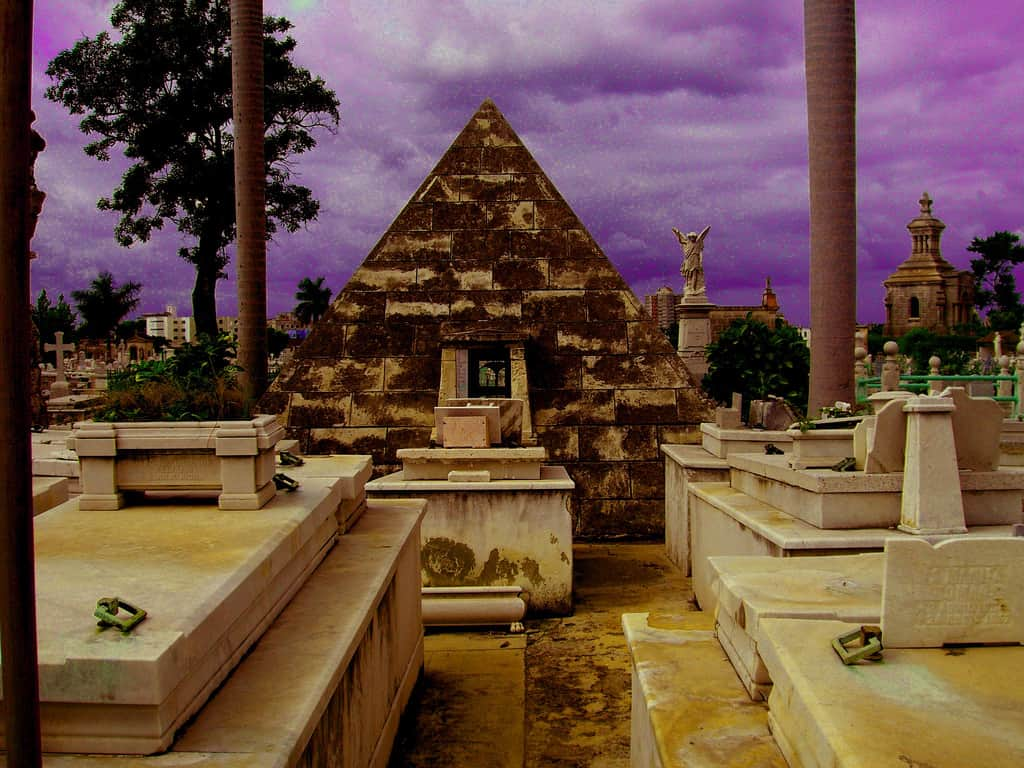 Una pirámide egipcia en La Habana