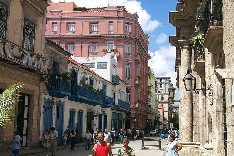 Hotel Ambos Mundos, en la Calle Obispo de La Habana Vieja