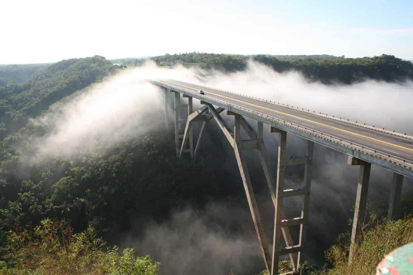 Maravillas de la ingeniería cubana: el puente de Bacunayagua
