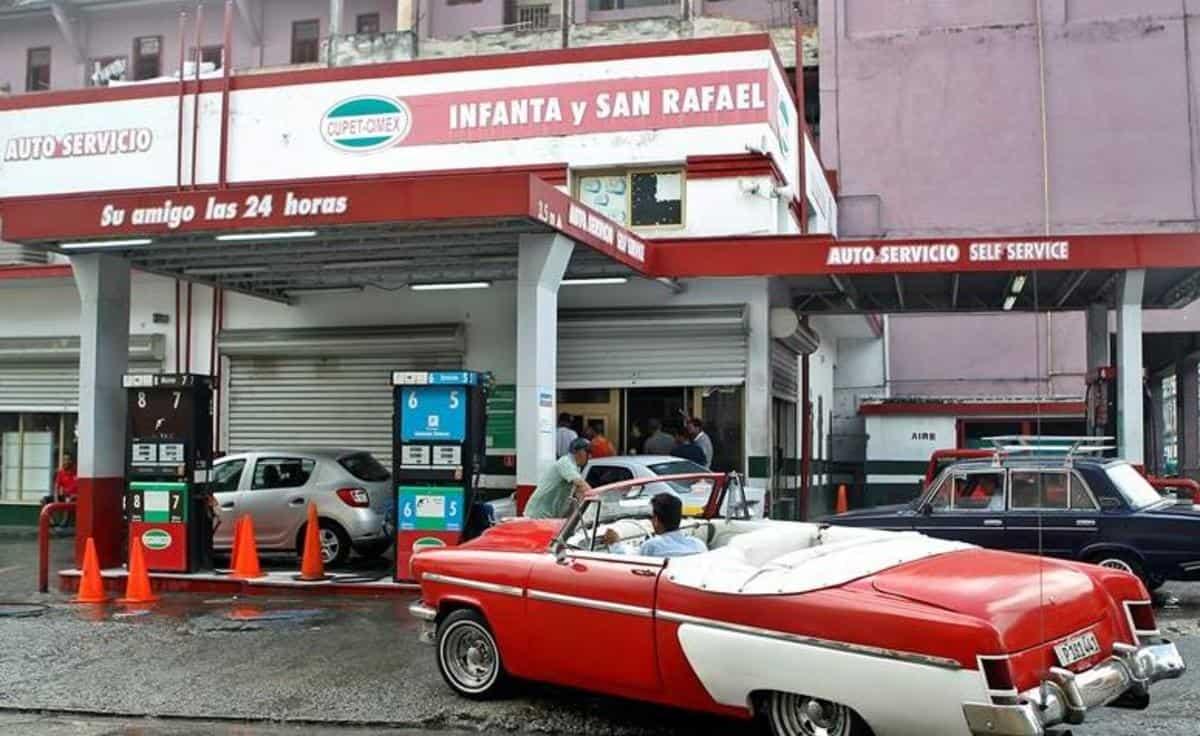 """Personal de las embajadas en Cuba buscan alternativas """"a la cubana"""" para enfrentar escasez de combustible"""