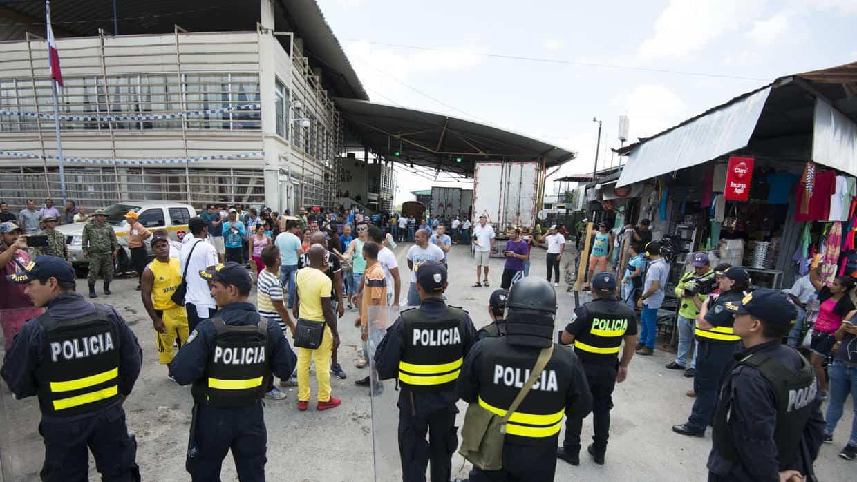 Autoridades panameñas detienen a cinco migrantes cubanos que se negaron a aceptar medidas del gobierno
