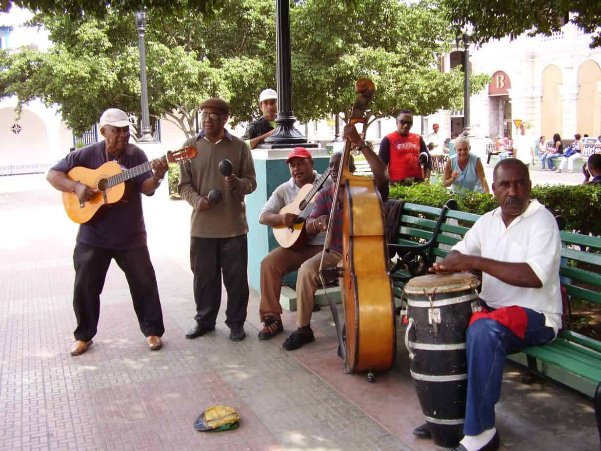 Música popular cubana: síntesis de dos siglos de historia