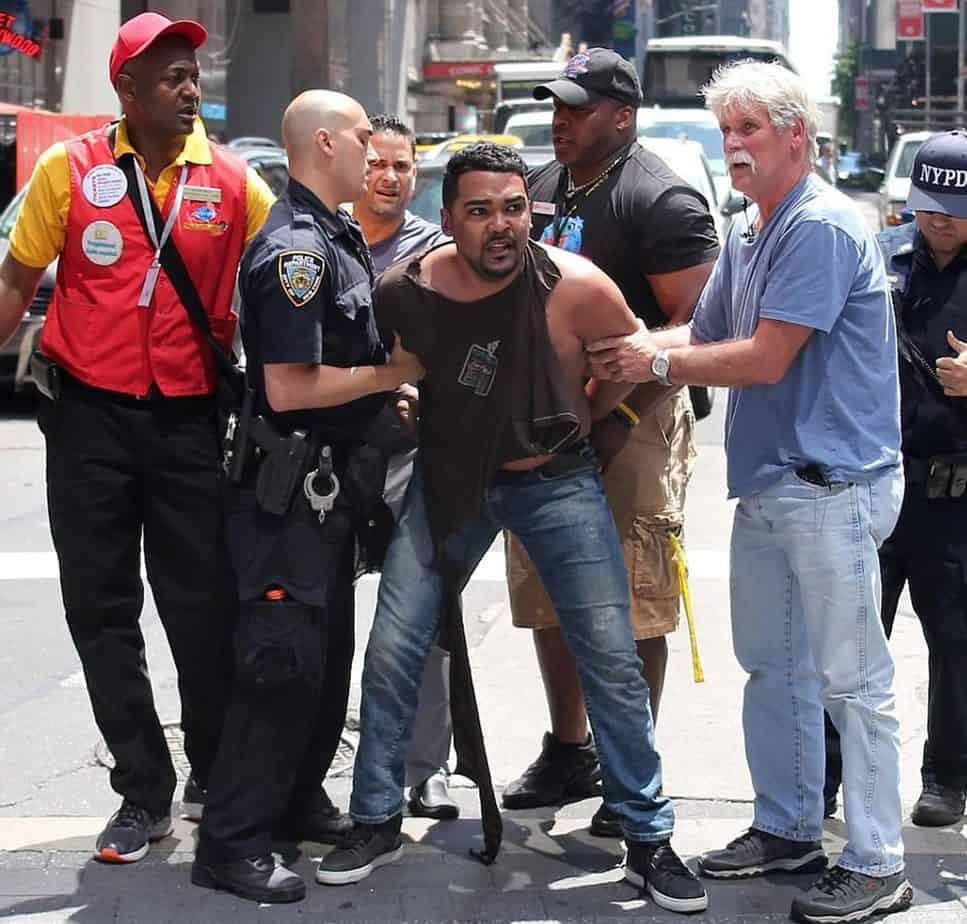 Autor del atropellamiento en Time Square dijo escuchar voces en su cabeza cuando dirigió el auto a la multitud