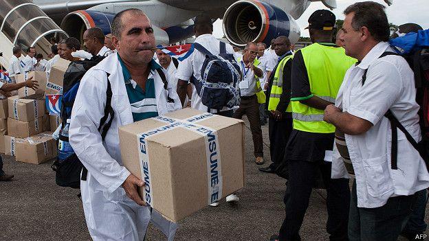 Médicos cubanos que cumplan misión, pagarán en pesos los aranceles de aduana