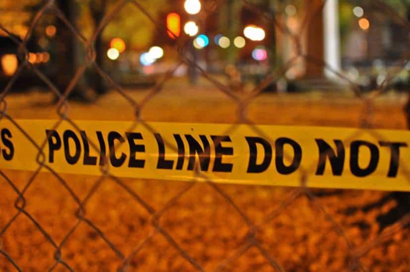 Oficial de la Policía de Miami evita apuñalamiento de una mujer