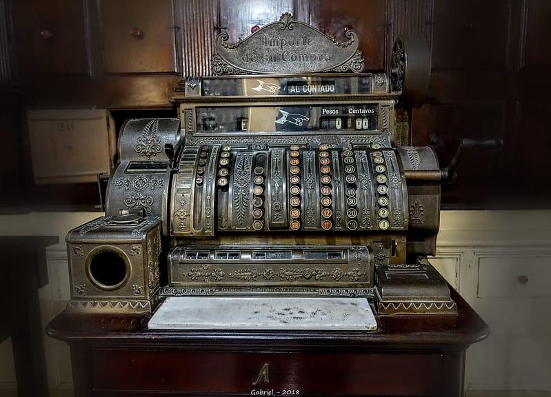 Máquina registradora en la Botica Francesa