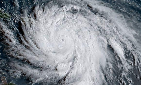 Afectaciones en instalaciones deportivas durante el paso del huracán Irma
