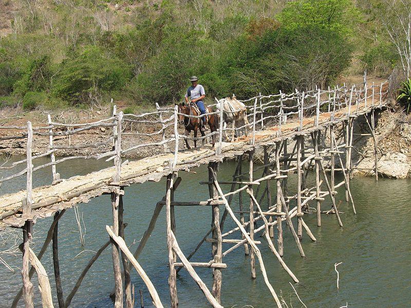 En Marea de Portillo en Granma podrás disfrutar de un estupendo paseo a caballo por sus bellos paisajes