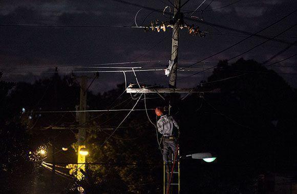 Alrededor del 87% de los clientes, luego de paso de Irma, cuentan con electricidad en Cuba