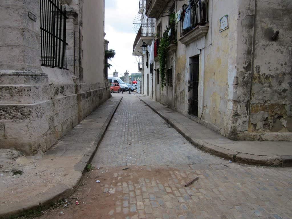 Callejón del Templete: la calle más pequeña de La Habana