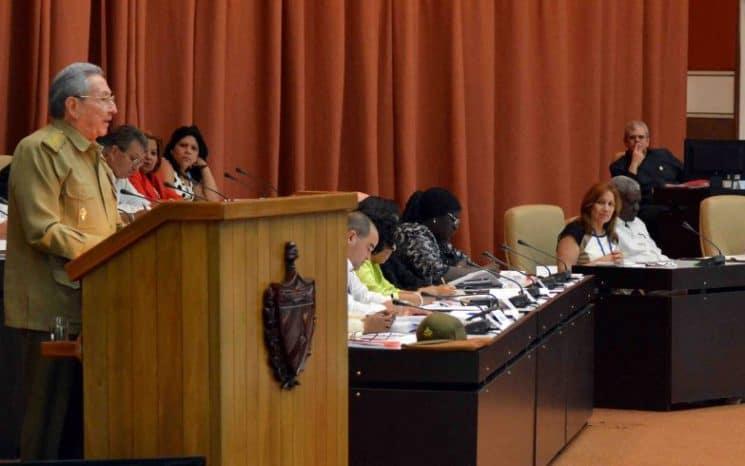 Legislatura de Raúl Castro es prolongada hasta abril