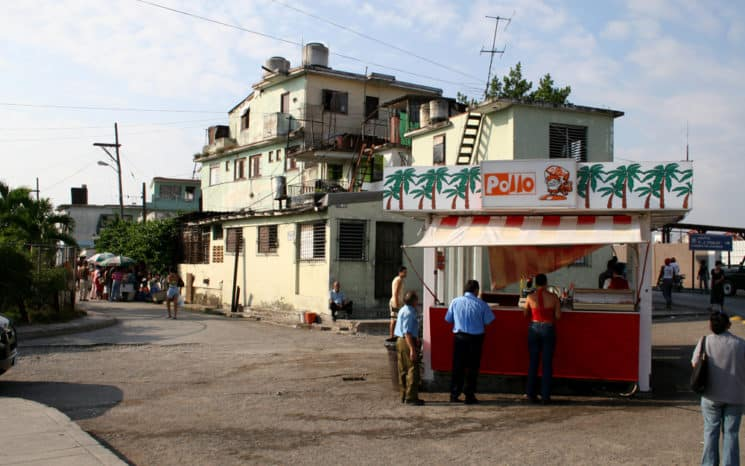 Diario Ganma denunció que 75% de las croquetas vendidas en cadena de comida rápida cubana están adulteradas