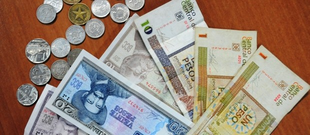 Estas son las dudas y temores de los cubanos ante la unificación monetaria
