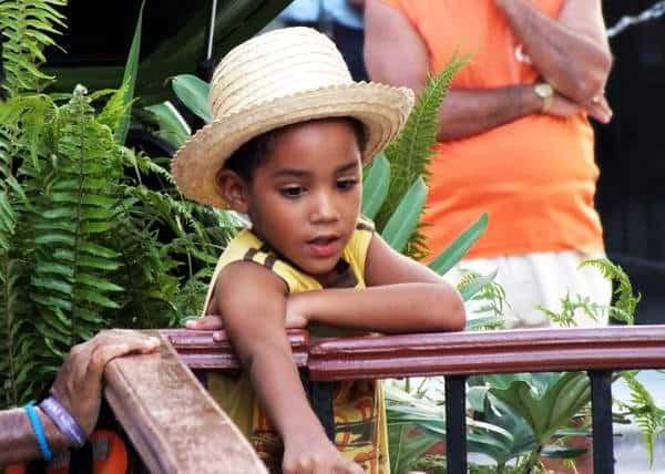 Resulta atractivo a la vista ver a los más pequeños usando sombreros. Foto Abel  Rojas 3724e7c4159