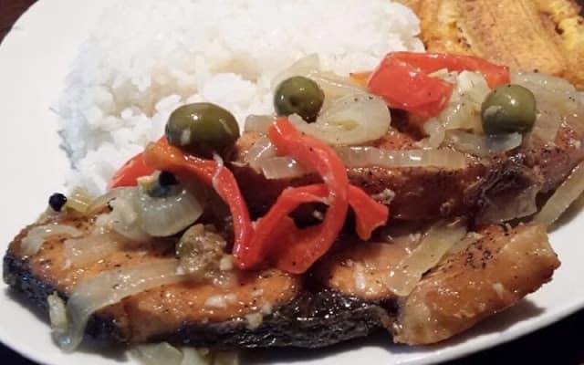 Aprende a preparar Ruedas de Serrucho en Escabeche al estilo cubano