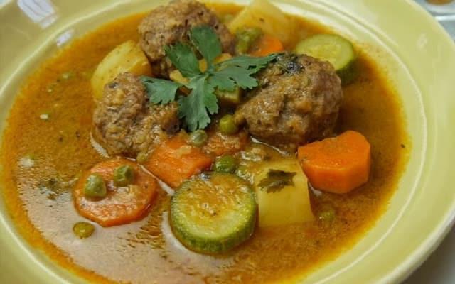 Aprende a preparar una deliciosa Sopa de Albondigas al estilo cubano