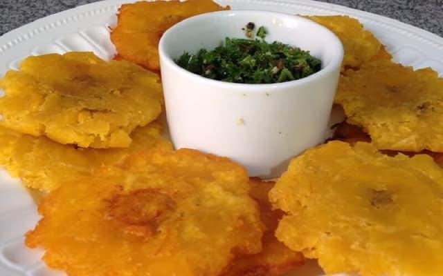 Aprende a preparar Tostones con Mojo al más puro estilo cubano