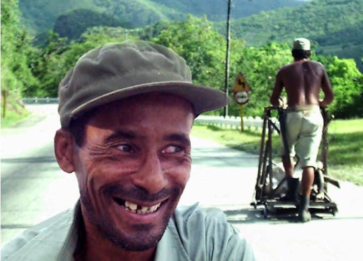 """Chivichanas en La farola… un """"deporte de riesgo"""" criollo en las montañas más altas de Cuba"""