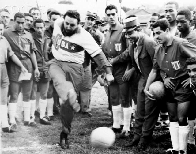 Cuando Fidel Castro fue delantero en un equipo de Futbol en el colegio Belén de La Habana (+ Fotos)
