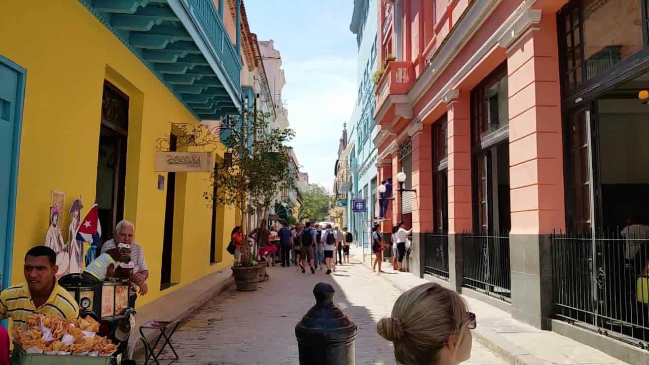 Descubre Mercaderes, la calle de los museos de La Habana