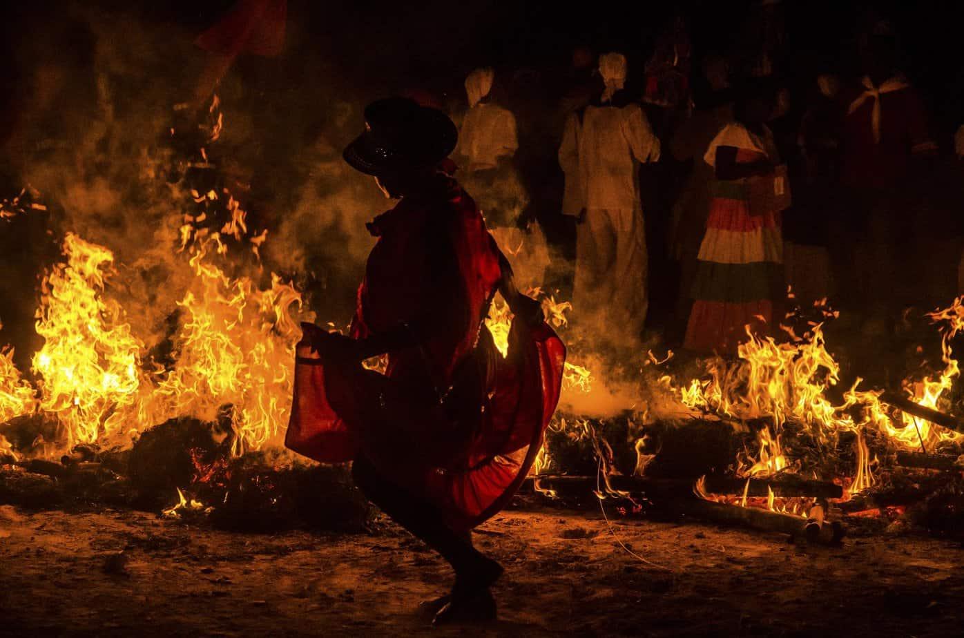 Fiesta del Fuego: la tradición de Santiago de Cuba que hace arder la ciudad año tras año