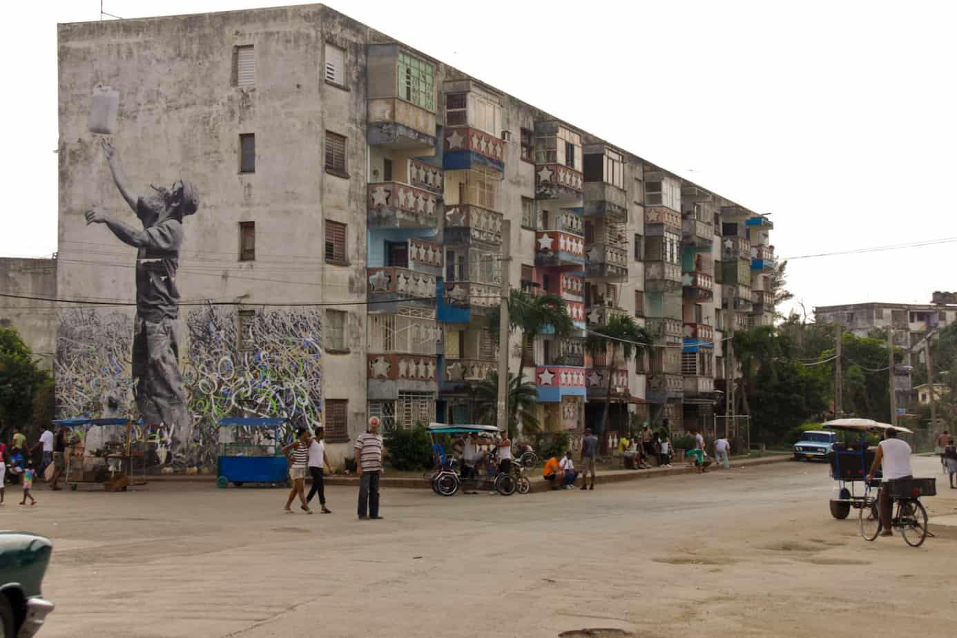 Edificios de microbrigadas, el invento de Fidel Castro con el que se quiso resolver el problema de la vivienda en Cuba…