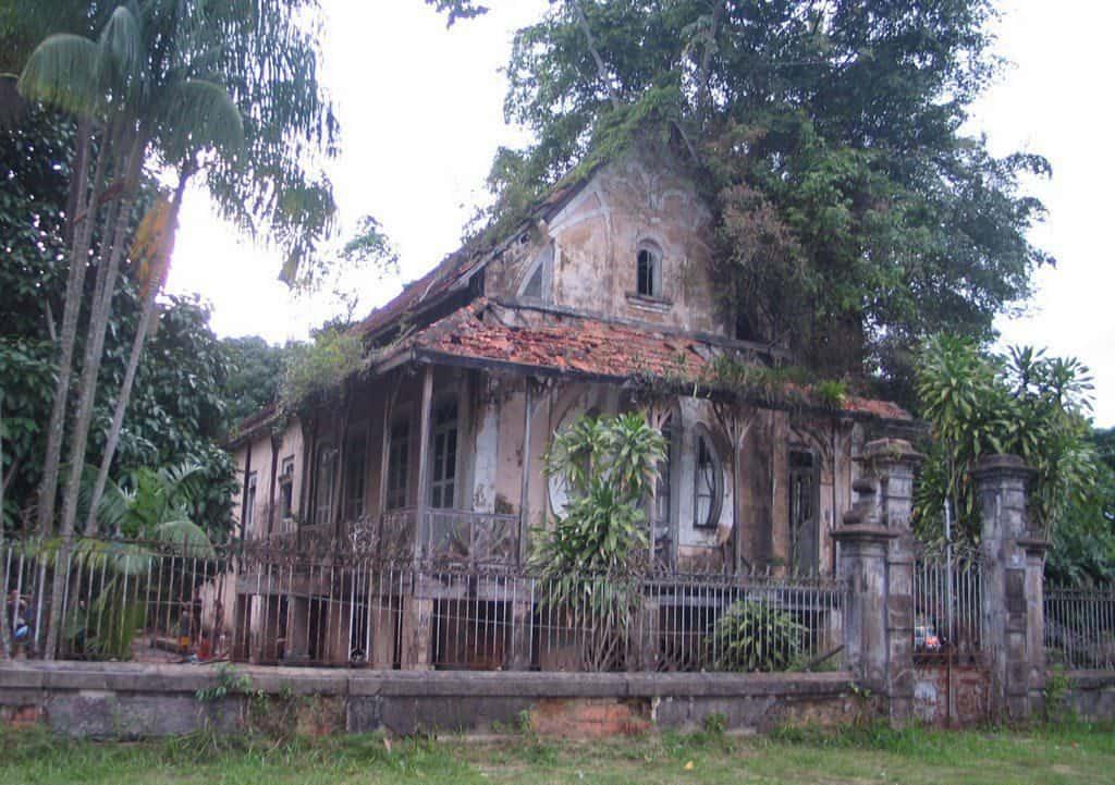 Chalet abandonado en Holguín