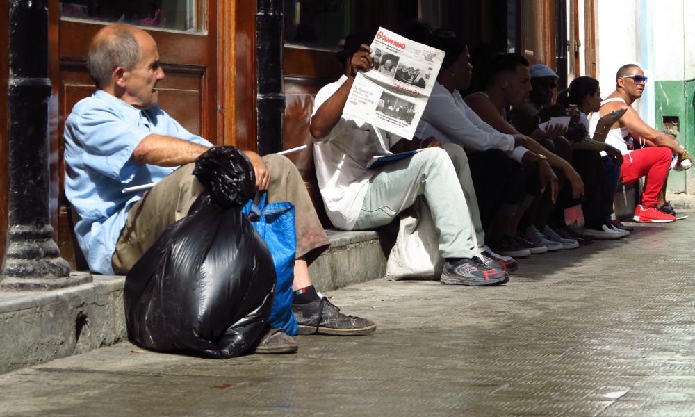 La triste historia de Mery, la anciana que recoge latas en La Habana Vieja