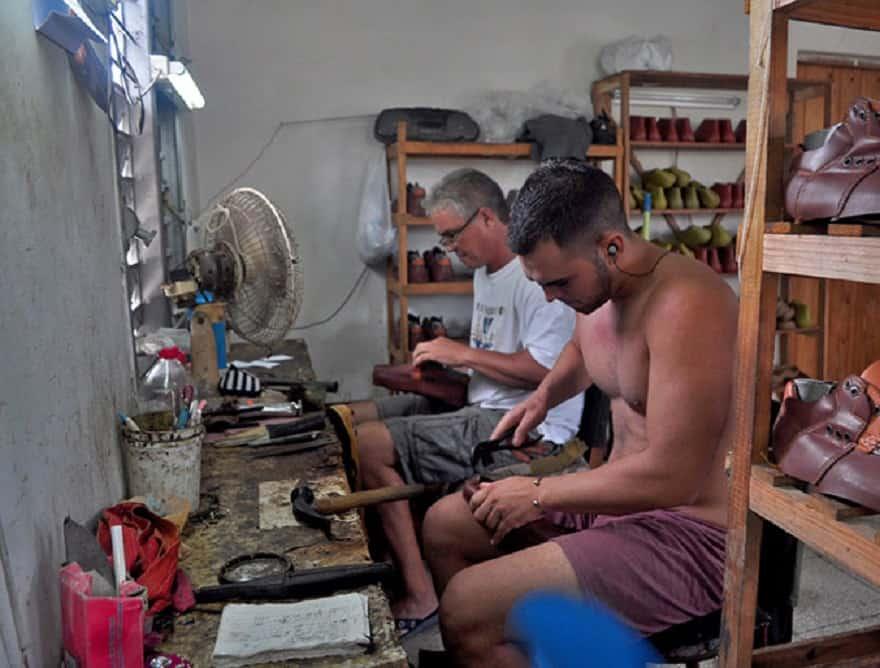 Camajuaní, el lejano pueblo que se ha convertido en el imperio del zapato hecho en Cuba