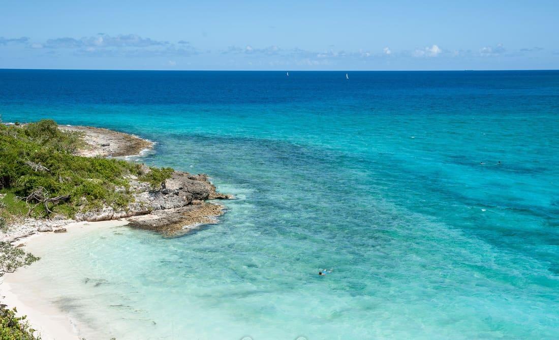 Esmeralda, la desconocida playa cubana que hace honor a su nombre