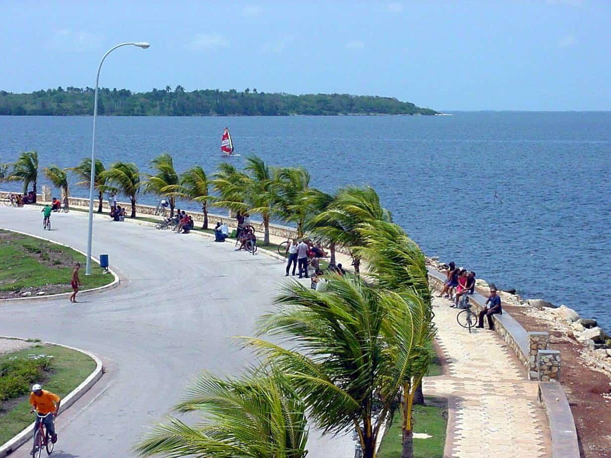 Recorriendo Caibarién, la encantadora villa pesquera del centro de Cuba (+ Videos)