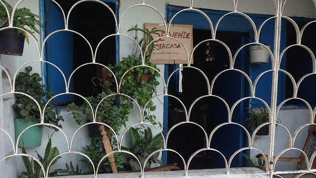 Gestores inmobiliarios en Cuba, una profesión desconocida en un mercado que por años prohibió la venta de casas